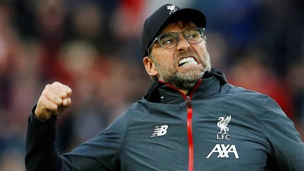 Umstrittener Elfmeter hilft Liverpool und Klopp