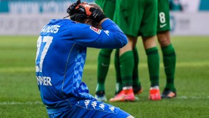 Svensson hält an Zentner fest