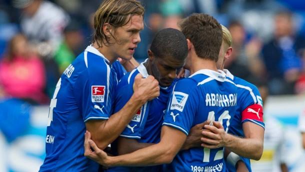 Hoffenheim rettet den Vorsprung