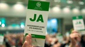 Ja für Niersbach: Die Zustimmung auf dem außerordentlichen DFB-Bundestag galt schon vorher als siche