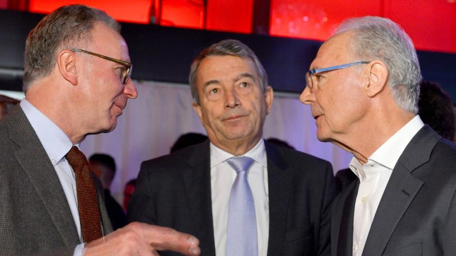 Welche Rolle spielte der FC Bayern im WM-Skandal? Karl-Heinz Rummenigge, Wolfgang Niersbach und Franz Beckenbauer (von links)