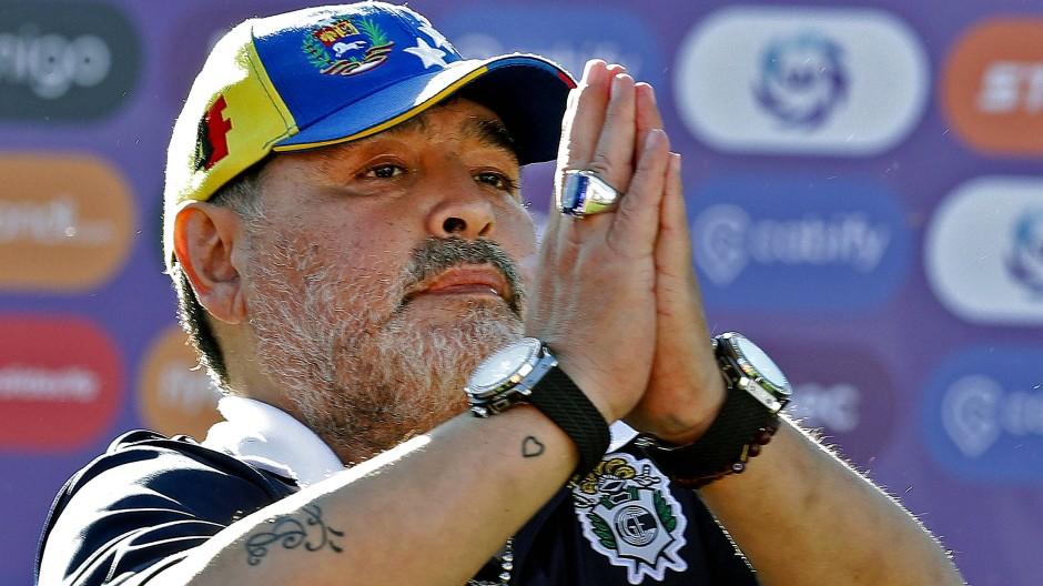Argentinien Fussball Ikone Diego Maradona Tritt Als Coach Zuruck