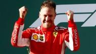 Rot strahlt in Melbourne: Sebastian Vettel gewinnt zum Start.