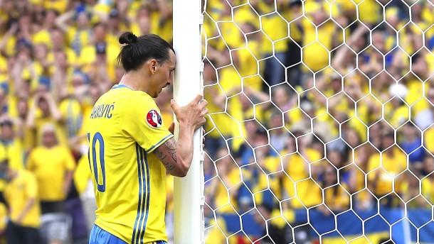 Ibrahimovic und Fomenko treten zurück