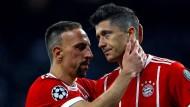 Die große Enttäuschung steht Franck Ribéry (links) und Robert Lewandowski ins Gesicht geschrieben.