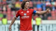 "Mainz-Kapitän Julian Baumgartlinger will Schritt für Schritt denken: ""Das ist nicht diplomatisch, sondern realistisch"""