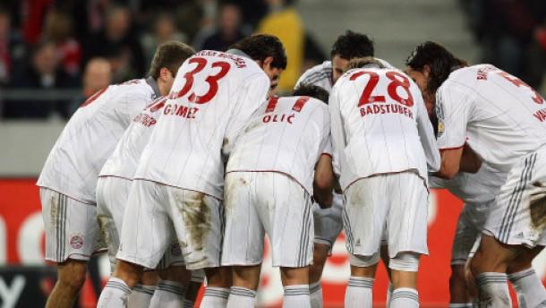 Leverkusen ganz vorne - München auf Sicht