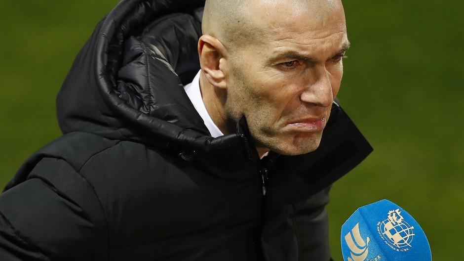 Mürrische Miene zum schlechten Spiel: Real-Madrid-Trainer Zinedine Zidane