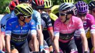 In den Bergen top: Der Giro-Führende Simona Yates (rechts) und sein Mannschaftskamerad Esteban Chaves vom Team Mitchelton-Scott