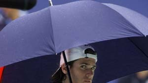 Starker Thomas Haas vom Regen gestoppt