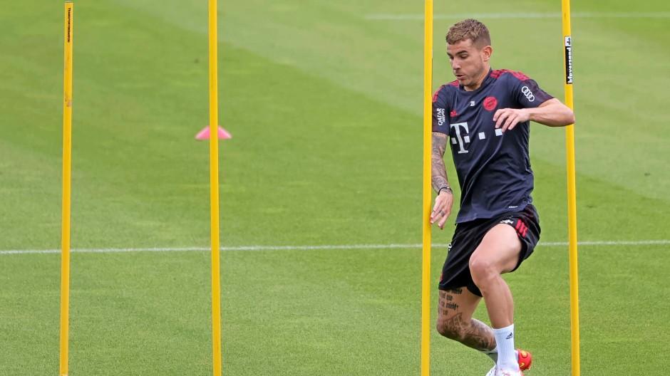Bald hinter Gittern? Bayern-Verteidiger Hernández hat ein Problem.
