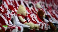 Es bleibt bei den Platzhaltern: beim FC dürfen doch keine Zuschauer zum Fußball.