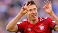 Robert Lewandowski erzielte beim 5:0-Sieg der Bayern über Dortmund sein 200. Bundesliga-Tor.