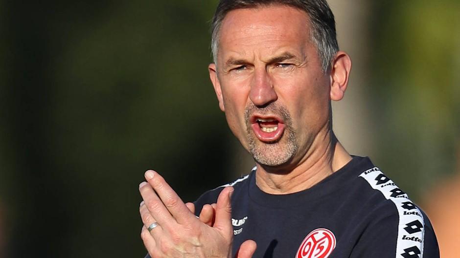 Mainz 05 verzichtet auf Wintertransfers: Achim Beierlorzer sieht offenbar keinen Anlass, von dieser Regel abzuweichen.