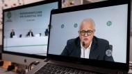 Im Online-Dialog mit der Basis DFB-Präsident Fritz Keller freut sich über mehr als 95 Prozent Zustimmung für die Fortführung der dritten Liga.