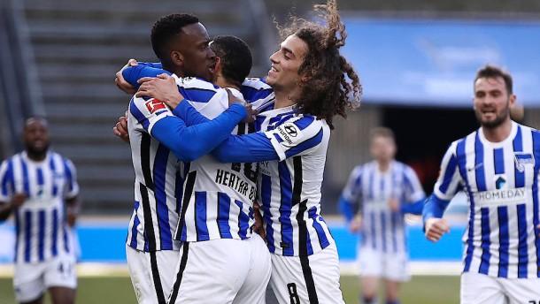 Hertha BSC spielt Leverkusen schwindelig
