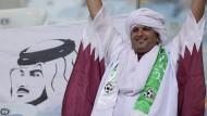 Wie bei der Copa America 2019 kann dieser Fan Qatars Team in Europas WM-Qualifikation nicht von der Tribüne aus zujubeln