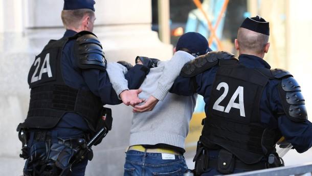 16 Festnahmen in Lille