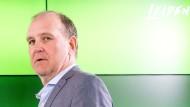 """Wolfsburg-Manager Jörg Schmadtke: """"Die Frage ist, von wem genau wir uns entfernen"""""""
