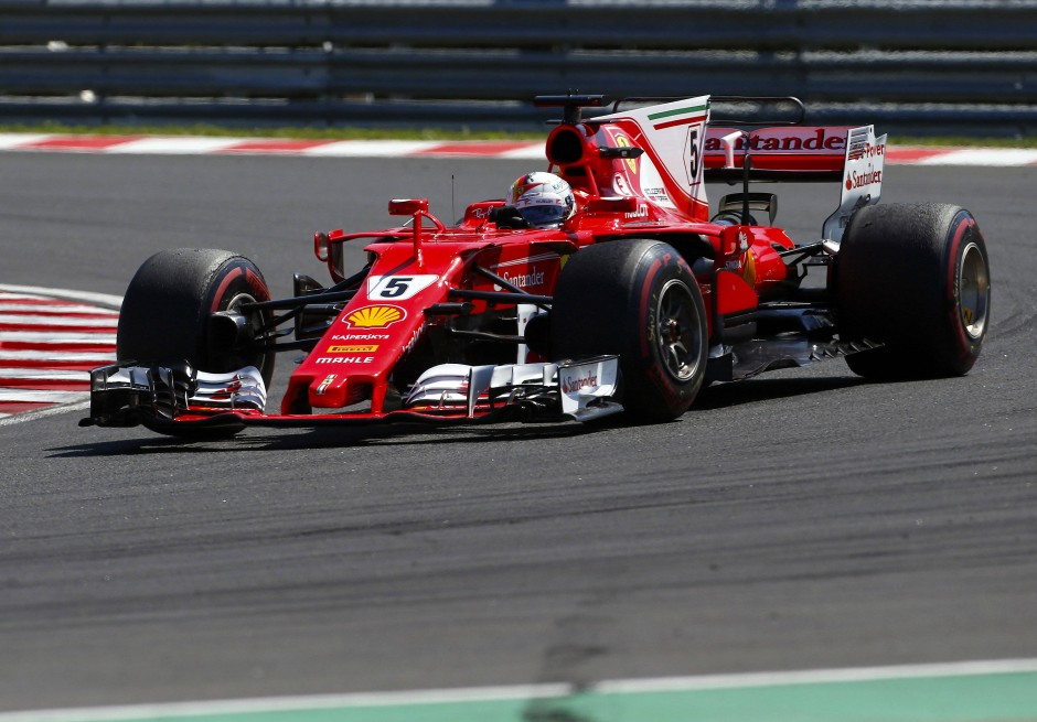 formel 1 vettel gewinnt trotz technischer probleme. Black Bedroom Furniture Sets. Home Design Ideas