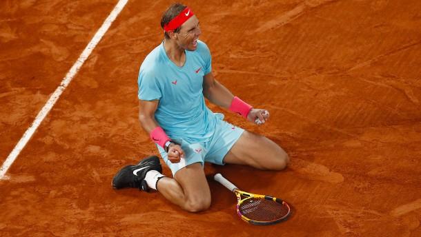 Der König von Paris fertigt Djokovic ab