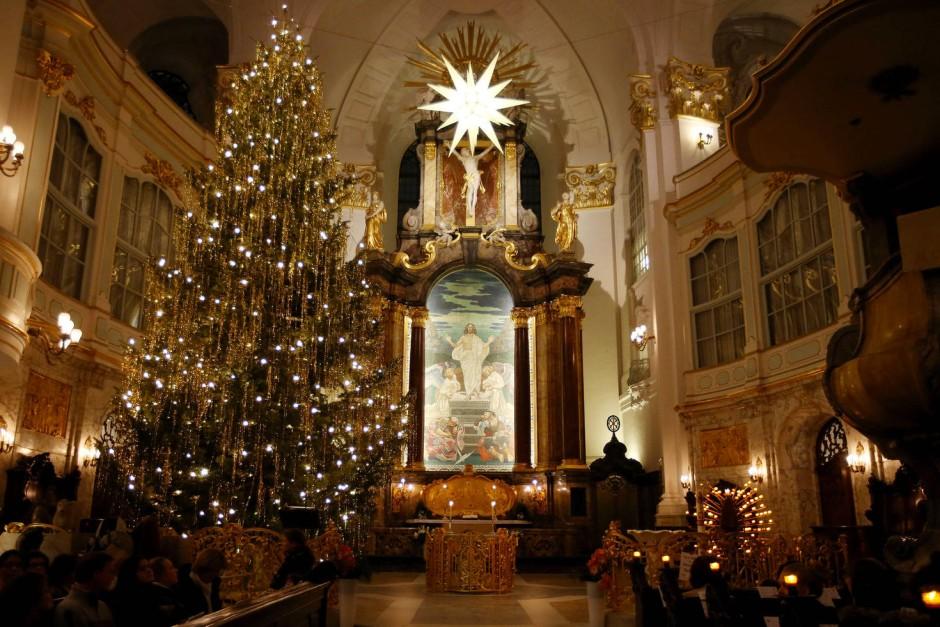 nur wenige deutsche gehen weihnachten in die kirche. Black Bedroom Furniture Sets. Home Design Ideas