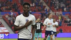 Saka schießt England zum Sieg