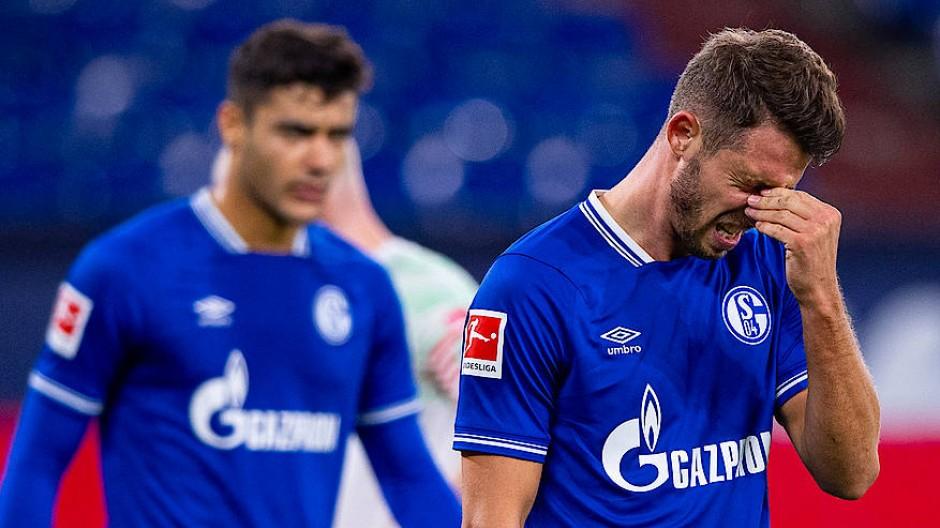 Nicht nur der Schalker Mark Uth (rechts) wollte gar nicht mehr hinsehen.
