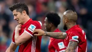 Lewandowskis Schulter macht große Sorgen