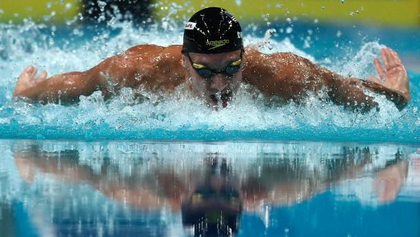 3 goldmedaillen f r caeleb dressel bei schwimm wm 2017 for Naturteich zum schwimmen