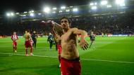 Stolz wie ein Spanier: Atletico Madrids montenegrinischer Mittelfeldspieler Stefan Savic feiert.