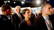 Geht voran: AfD-Spitzenkandidatin Frauke Petry, dahinter Ministerpräsident Tillich