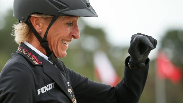 Ingrid Klimke bleibt cool