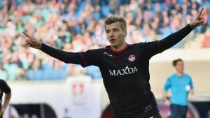Kaiserslautern stürzt den Tabellenführer