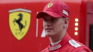 Mick Schumacher fährt Ferrari seines Vaters