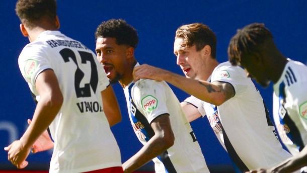 HSV auf Platz eins – Erleichterung für Hannover