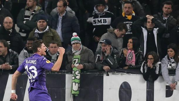Gomez trifft gegen Juve, Sevilla im Sevilla-Derby