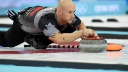 Olympiasieger randaliert betrunken auf dem Eis