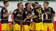 """Eine Fußballmannschaft, die Spaß an Tennisergebnissen entwickelt hat: Borussia Dortmund siegt in Wolfsburg aber """"nur"""" 5:1"""
