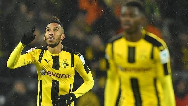 Dortmunder Zittersieg hilft den Bayern