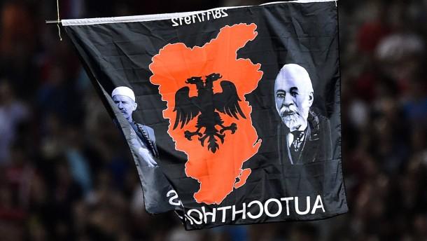 Uefa ermittelt gegen Serbien und Albanien