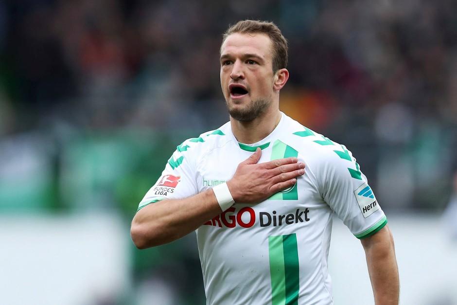 Torschütze des Tages: Der Fürther Veton Berisha jubelt über seinen Treffer zum 1:0.