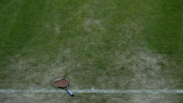Kuscheln mit Tennisschläger