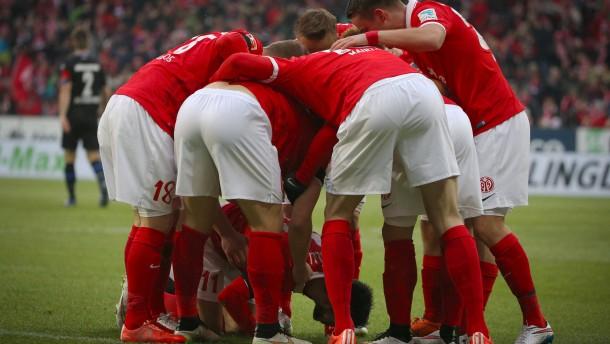 Rekordsieg und Geldsegen für Mainz