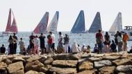 Das Team AkzoNobel (viertes Boot von links) wird zum Streitobjekt.