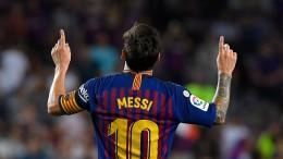 Freund und Feind liegen Messi zu Füßen