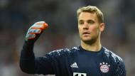 """""""Es hat mich in der Reha schon sehr motiviert, dass wir noch in zwei Wettbewerben sind – DFB-Pokal und Champions League"""": Manuel Neuer."""