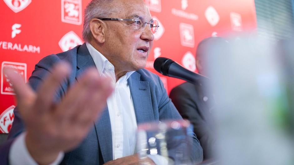 Das Konstrukt heißt Flyeralarm Global Soccer, und Felix Magath ist der Fußball-Boss.