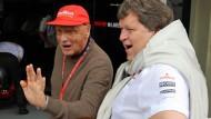 Deutungsinstanz mit behänder Anpassungsgabe: Niki Lauda (l., mit Norbert Haug) weiß vieles und vergisst schnell