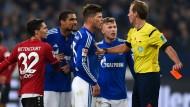 Schalke siegt und verliert Huntelaar